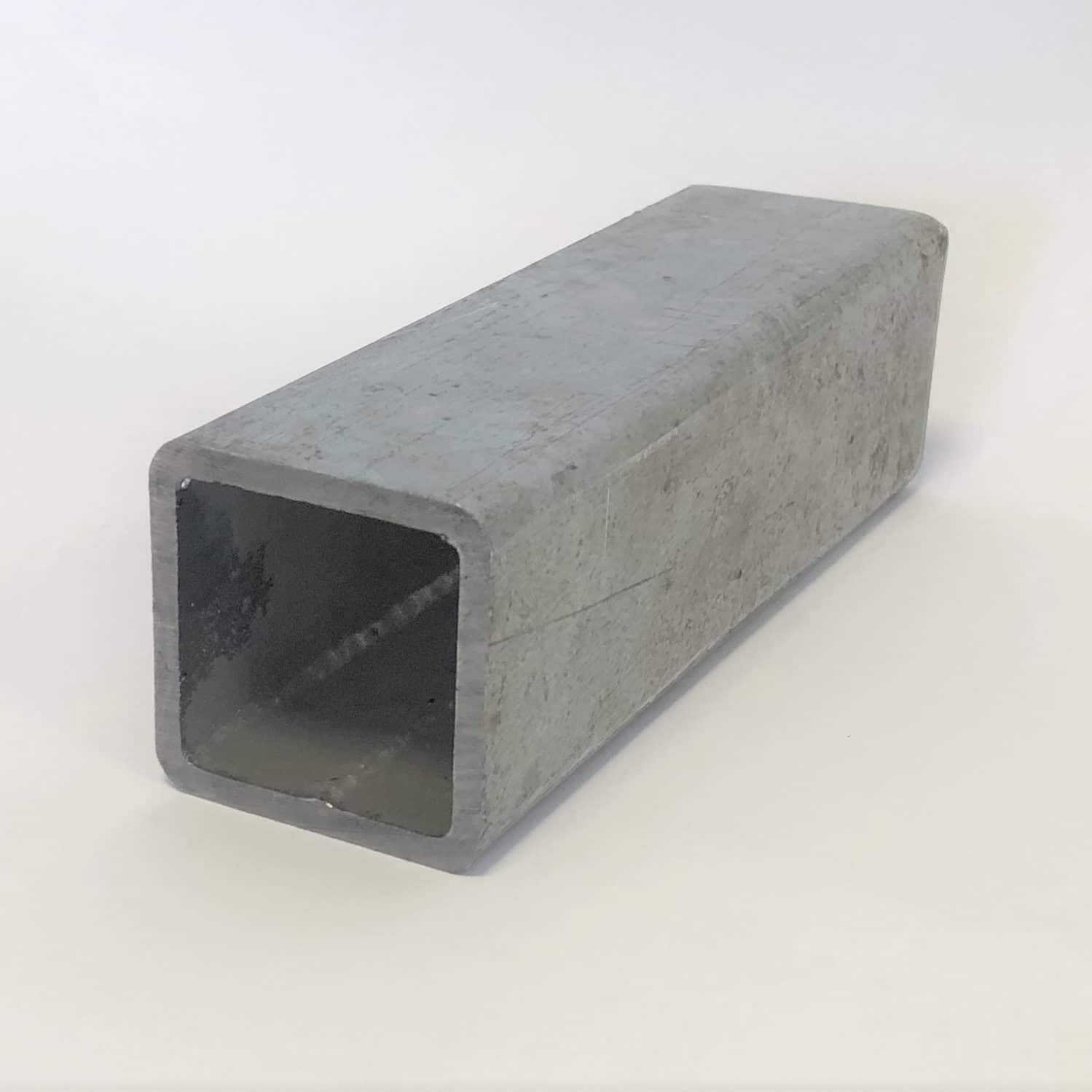 Bild på ett varmförzinkat konstruktionsrör KKR hålprofil från Bromma Stål