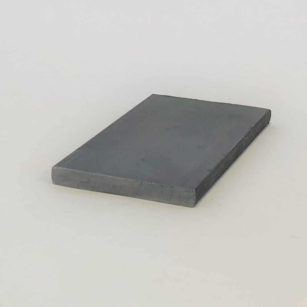 Bild på plattstål och plattjärn i obehandlat stål